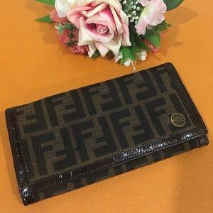 💯 Authentic Fendi Pattina Zucca wallet